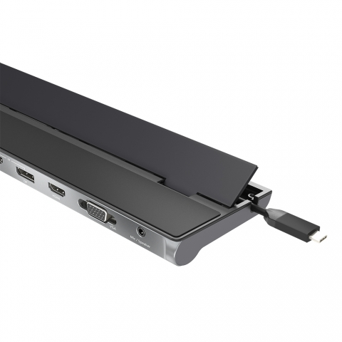 C3-D9058 USB-C™ Triple Display Docking Station 3